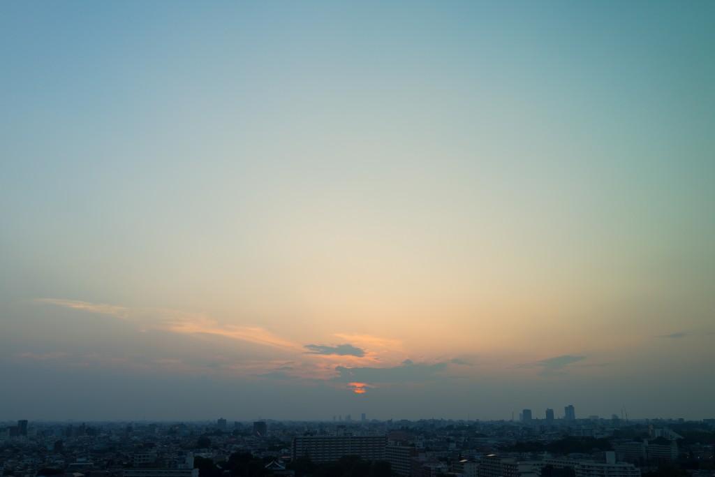 やのだんご曰く「金曜日っぽい」夕焼け。
