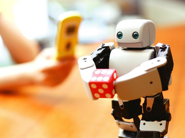 あなたの代わりになるミラーロボット「PLEN2」