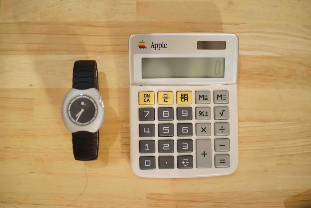 初代アップルウォッチと、アップル電卓